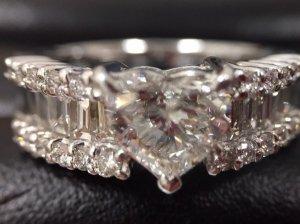 ダイヤモンド・色石などの宝石の買取金額をUPしています! イエローダイヤモンド,ブラウンダイヤモンド,ブルーダイヤモンド・金・プラチナ・ルビー・サファイア・ エメラルド・オパール・トルマリン・タンザナイト・サンゴ・ヒスイ・血赤珊瑚など貴石・貴金属などなど 買取価格を大幅強化してご案内しております!